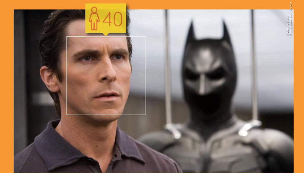 Bruce Wayne sieht ohne sein Batman-Kostüm glatt vier Jahre jünger aus!
