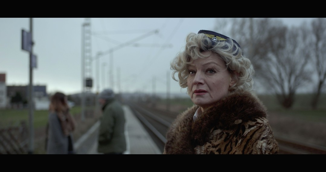 Lotti oder der etwas andere Heimatfilm Trailer - Bild 1 von 19
